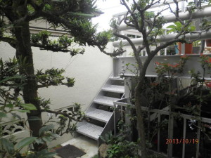 デッキ階段